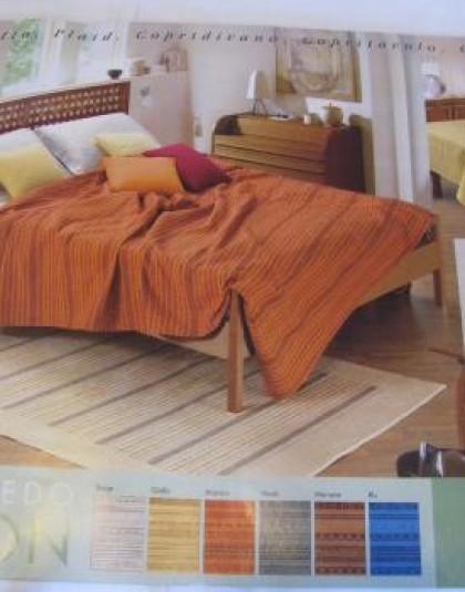 TUCSON ágytakaró (270×270)