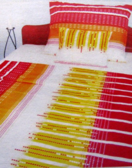 Piros-sárga-fehér mintázatú krepp ágyneműgarnitúra (140×200)