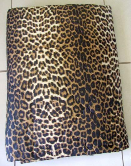 Leopárd mintás kétszemélyes steppelt ágytakaró