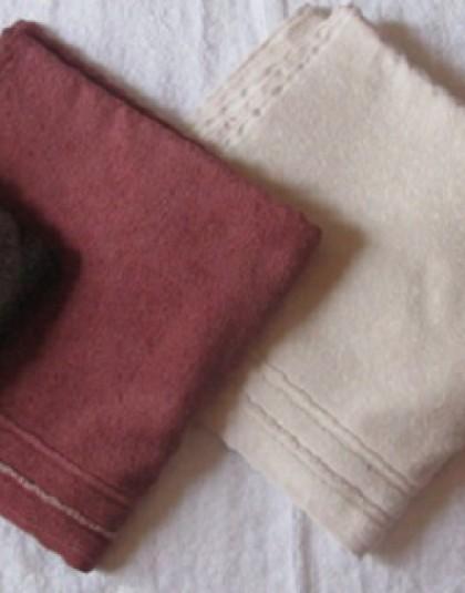 Díszcsíkos egyszínű törülköző (70*140 cm)