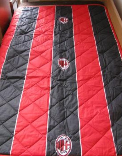AC Milan ágytakaró (120x160 cm)