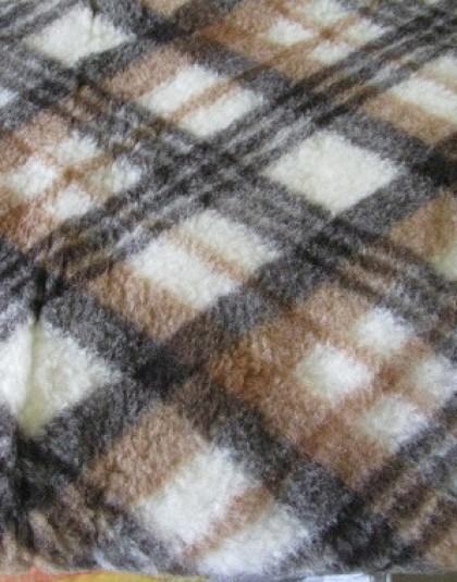 Merinó bárány gyapjú anyagú kockás nyári takaró (135*200)