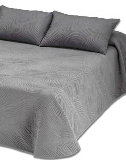 Kétszemélyes hímzett ágytakaró 2 db díszpárnahuzattal (szín: füstszürke [GRIS HUMO]) (235*270)